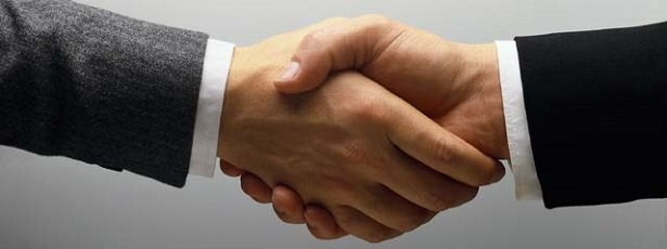 Shaking-Hands3 The Secret to SEO Success is in Your Relationships: Unique Tips to Help